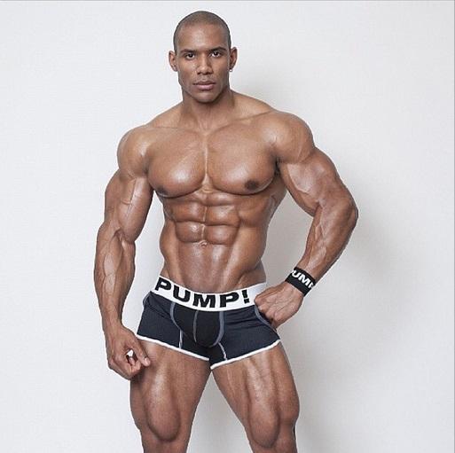 Bodybuilding führt zum kleinen Penis - Sexualanatomie